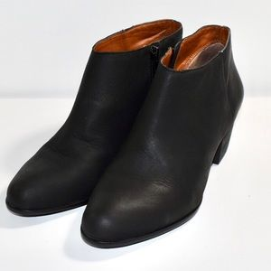 Lucky Brand black ankle zip booties